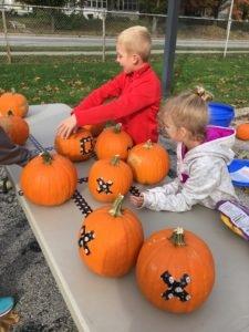 alton_edwardsville-pumpkin-purge-tic-tac-toe